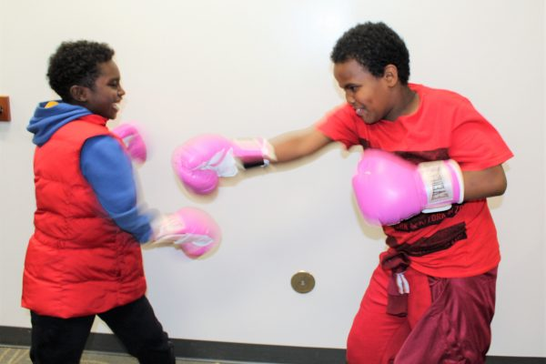 Boys2Men at Edmunds Take a Fighting Pose to Knock Out Breast Cancer!